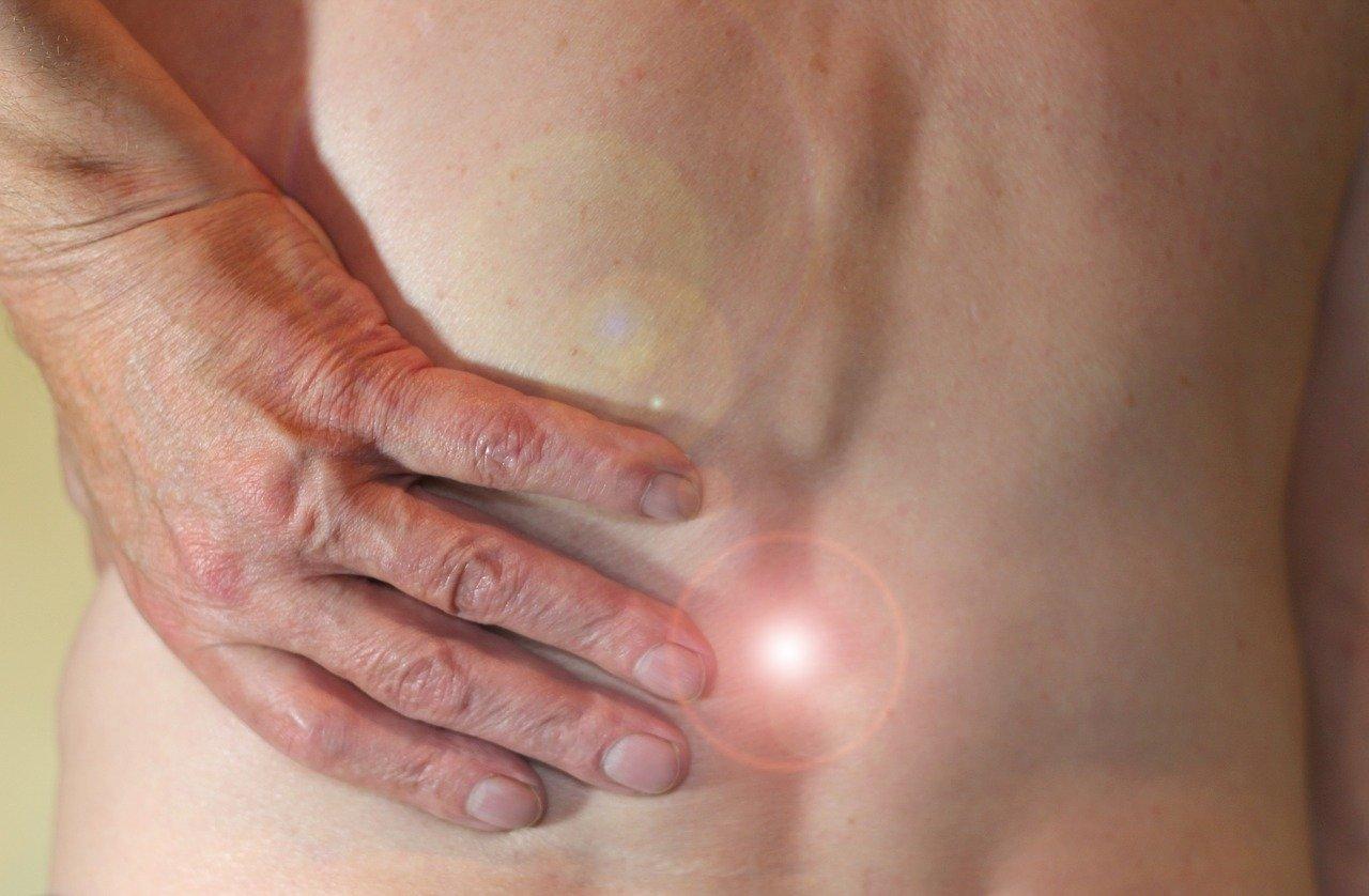 Czym jest discektomia i microdiscektomia? Jakie są wskazania do wykonania tego zabiegu?